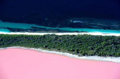 RÜS COLLECTIVE BLOG | Lake Hillier, Australia