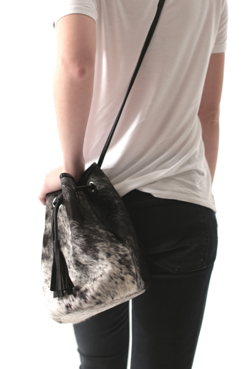 SALT + PEPPER COWHIDE BUCKET BAG | RÜS COLLECTIVE